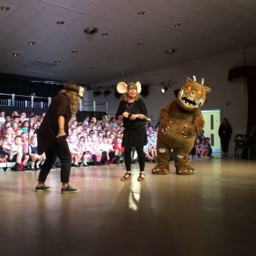 Poplar Class meet Julia Donaldson and The Gruffalo